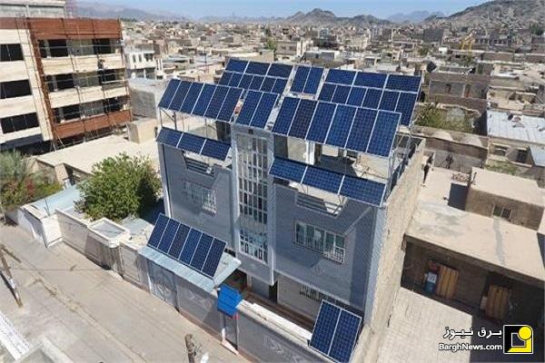 احداث اولین نیروگاه خورشیدی پشت بامی زاهدان در یک مجتمع آپارتمانیÊí+uI